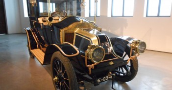 Renault AX 1911-frontal- Museo Automovilistico Malaga