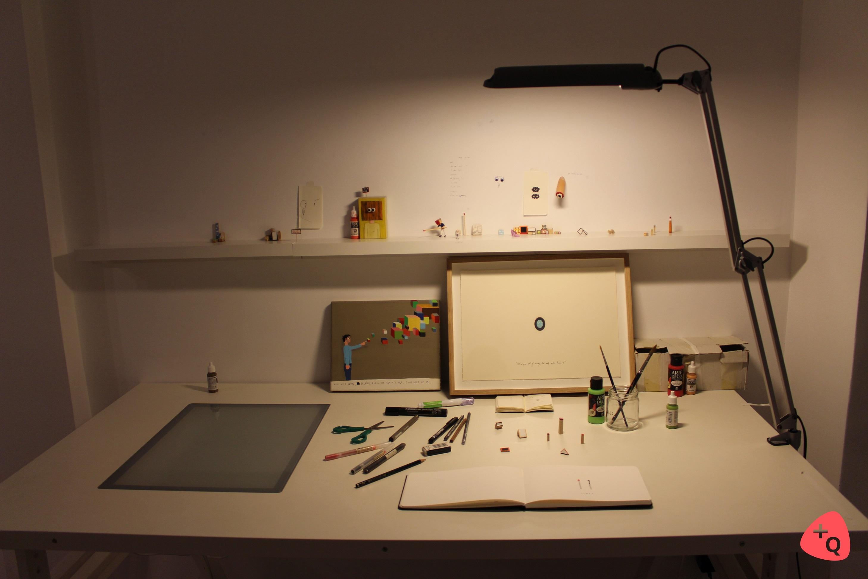 La mesa de trabajo de Javier Calleja en Casa Sostoa