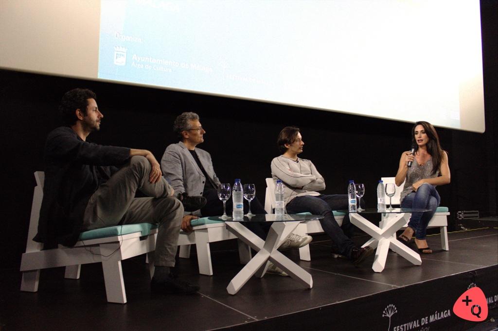 De izq. a dch. Manuel Ríos San Martín, Carlos López, Alberto Caballero y la presentadora Isabel Vázquez (© Belén Ruiz)