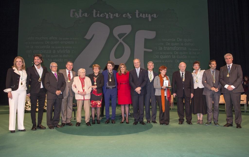 Foto de familia Día de Andalucía 2016