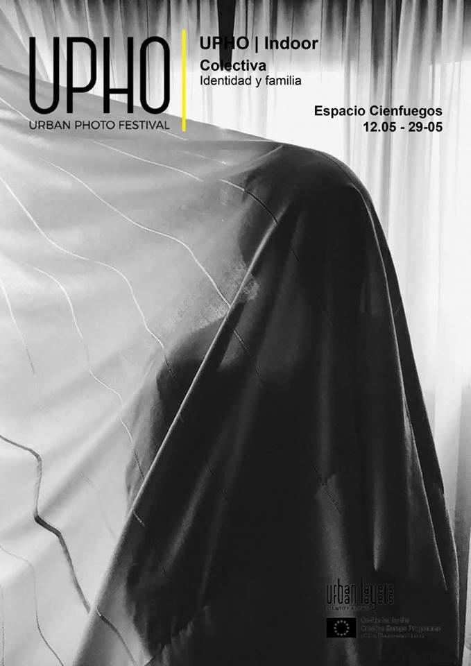 Cartel de la exposición 'Identidad y familia' en Espacio Cienfuegos